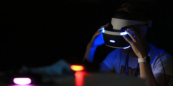 PSVR全球上市:索尼能否再次称霸娱乐硬件?